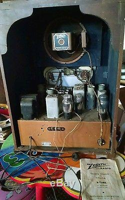 Rare Zenith 8 Tube Table Radio long distance black dial powers on and hums 1937