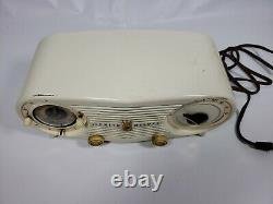 Rare Zenith Deluxe Model K518 Am radio Alarm Clock- 1952 Owl Eye White