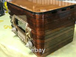 Refurbished 1940 Zenith Model 6S439 Table Radio with push button presets
