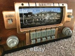 Refurbished 1940 Zenith Model 8-S-432 Table Radio with push button presets