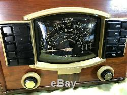 Refurbished 1941 Zenith Model 7S633R Table Radio with push button presets