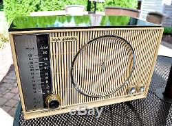 Restored, Near mint Old Antique Zenith Vintage C845 Tube Radio Works Perfect