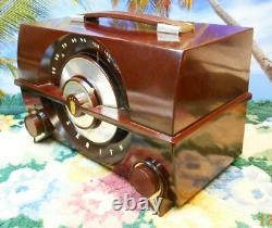 Restored Working 1955 Zenith 6 Tube Table Radio R615