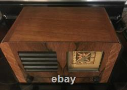 Stromberg Carlson Wooden Vintage Antique Table Top Tube Radio- Look