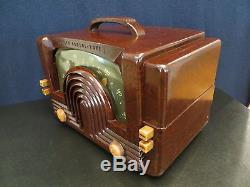 VINTAGE 1940s OLD ZENITH ART DECO SWIRLED BAKELITE MACHINE AGE MID CENTURY RADIO