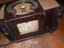 VINTAGE 1950s EAMES ERA ZENITH AM-FM ANTIQUE OLD BAKELITE TUBE RADIO