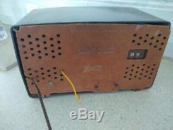 VINTAGE 1950s OLD SPLIT FACE AM-FM ZENITH ANTIQUE BAKELITE TUBE RADIO Turns on