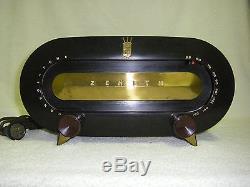 VINTAGE 1951 ZENITH MODEL H511 FIVE TUBE AM RADIO GOOD CONDITION WORKS