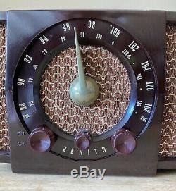 VINTAGE ZENITH H-723 / R-723 AM FM TUBE RADIO, Bakelite, Tested