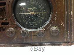 VINTAGE ZENITH LONG DISTANCE TUBE RADIO WOOD KNOBS & CASE N495226 TURNS ON