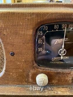 VINTAGE ZENITH long distance wave magnet model 5G500 radio
