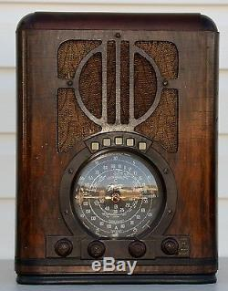 VTG (1938) 6-S-330 Zenith Tombstone Black Dial Tube Radio BEAUTIFUL Cabinet