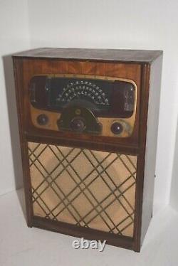 Vintage 1940's Zenith Model 9H881 AM/FM Tube Large Table Radio Works
