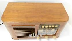 Vintage 1941 Zenith Model 6-S-527 Tabletop Radio. Absolutely Beautiful