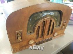 Vintage 1942 ZENITH BOOMERANG TUBE RADIO TABLETOP CONSOL-TONE