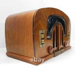 Vintage 1942 Zenith Model 6-D-2615 Table Radio Boomerang WWII Era Beautiful