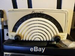 Vintage 1946 Zenith 8HO23W Tube Radio Bakelite Ivory PREWAR & POSTWAR FM RADIO