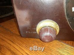 Vintage 1950s Zenith Radio Bakelite Model H725 Am/fm Radio Tube MID Century