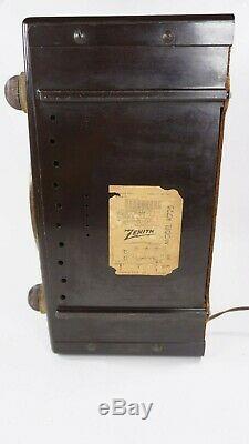 Vintage 1950s Zenith Tube Radio K725