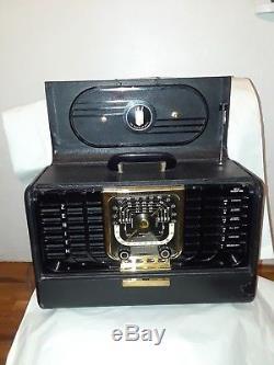 Vintage 1951 Zenith Trans Oceanic Completely Portable Radio Very Nice