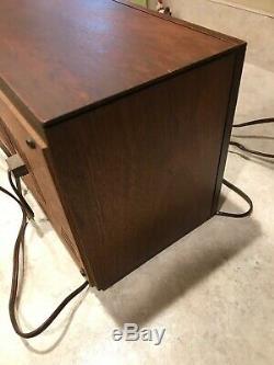 Vintage 1965 Zenith Model M730 AM-FM Vacuum tube Radio. Both FM + AM WORK
