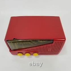 Vintage AM/FM Zenith Radio Model G723