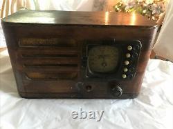 Vintage Art Deco Zenith 5R316 Wooden Walnut Tube Radio