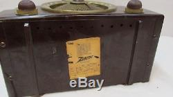 Vintage Bakelite Zenith AM/FM Tube Radio Model T825 black for restoration