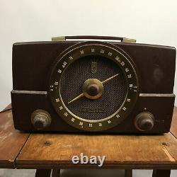 Vintage Bakelite Zenith Tube Radio Mid Century Atomic Retro 1940's WWII WW2