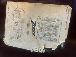 Vintage MCM 1956 Zenith Bakelite Tube Radio WORKS S-40174 721 Model Y724