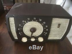 Vintage Mid Century 1955 Zenith Tube Radio Model Y723
