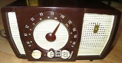 Vintage Mid Century 1955 Zenith Tube Radio Model Y723 Works perfect Great shape