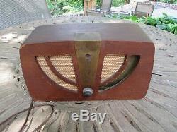 Vintage Mid Century Modern Eames Zenith Radio 6D030 6C05
