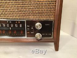 Vintage Working 1950's Zenith K731 AM/FM Tube Radio Good Working Condition