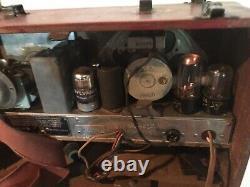Vintage World War 2 Era Zenith Antique Portable Wave Magnet Radio Wwii