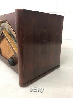 Vintage ZENITH Consol Tone Tube Radio Walnut