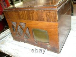 Vintage ZENITH Tube Radio Record Player model BR683 CABINET & TURNTABLE