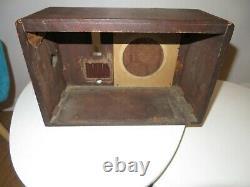 Vintage ZENITH Tube Radio model 529 Wood Cabinet