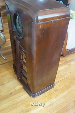 Vintage Zenith 15-U-269 Shutterdial Console Radio