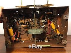 Vintage Zenith 6S256 Tube Radio Chassis W Wood Knobs & Escutcheon Bezel