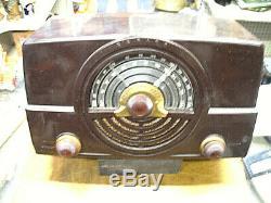 Vintage Zenith AM FM Radio Model 7H920, POWERS UP, NO SOUND