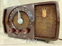 Vintage Zenith AM/FM Tube Radio No. S-17366 1950's