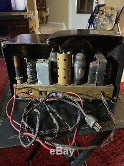Vintage Zenith Art Deco Bakelite Plastic Case AM Tube Radio Model 5R312 Untested