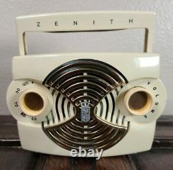 Vintage Zenith Bakelite Owl Eye Radio Model K 412 W Portable Tube