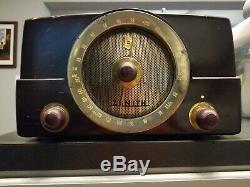 Vintage Zenith Bakelite Tube Radio