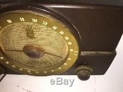 Vintage Zenith Bakelite Tube Radio Made in USA Model G725