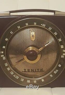 Vintage Zenith Bakelite Tube Radio WORKS! Mid century art