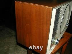 Vintage Zenith C845 High Fidelity AM/FM Table Top Tube Radio