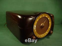 Vintage Zenith Cobra Matic Model J664 Tube Radio & Phonograph Bakelite Case