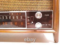 Vintage Zenith K731 AM/FM Wood Cabinet Tube Radio Tested Works